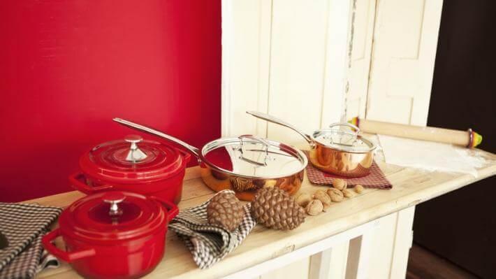 czerwony wystrój kuchni