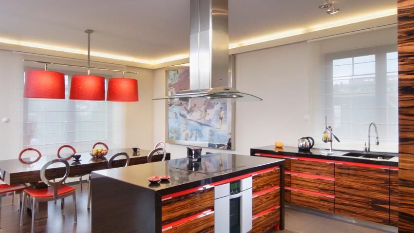 Szafki kuchenne pod oknem