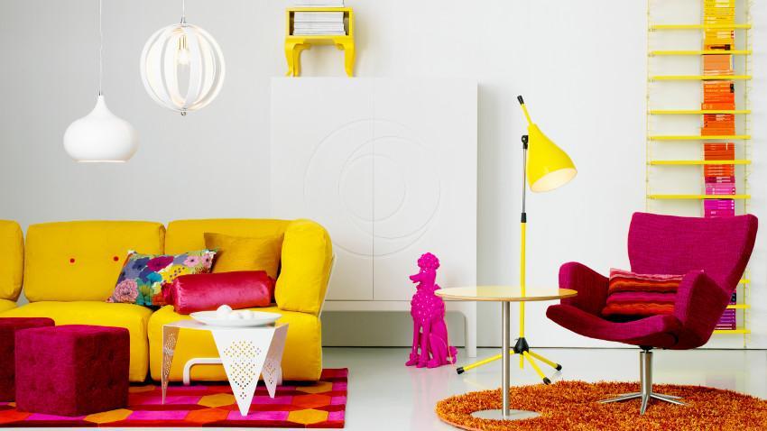Żółty stolik