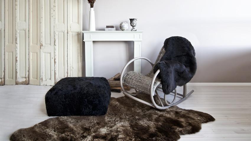 pufy czarne futrzane
