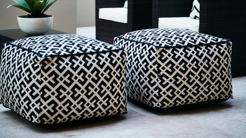 pufy kwadratowe czarne