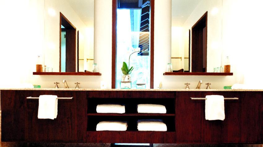 Meble łazienkowe fioletowe