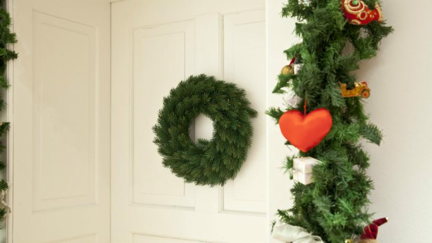 Dekoracje bożonarodzeniowe na drzwi