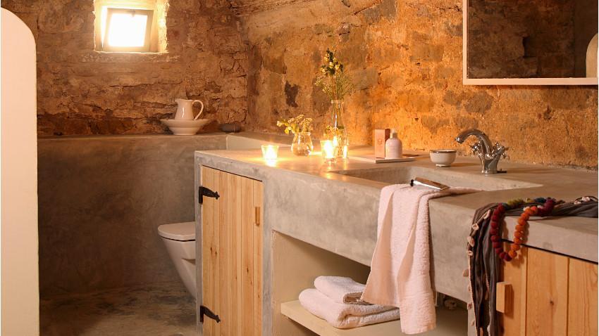 Beżowa łazienka w stylu loft