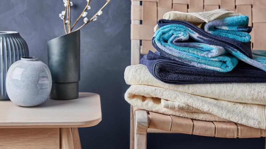 ręczniki i wazony