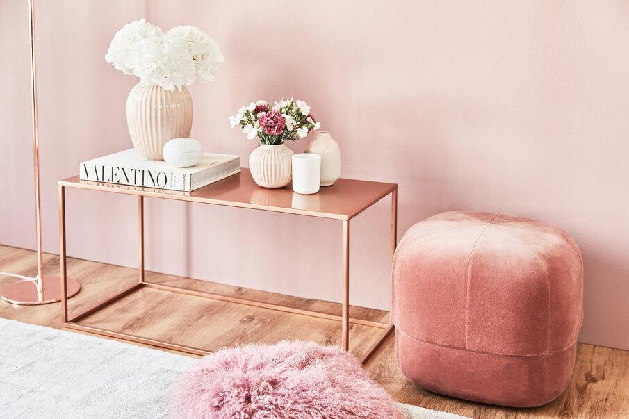 różowy puf