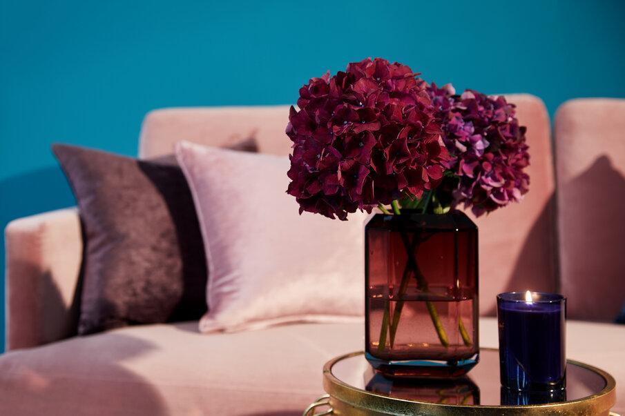 różowy wazon
