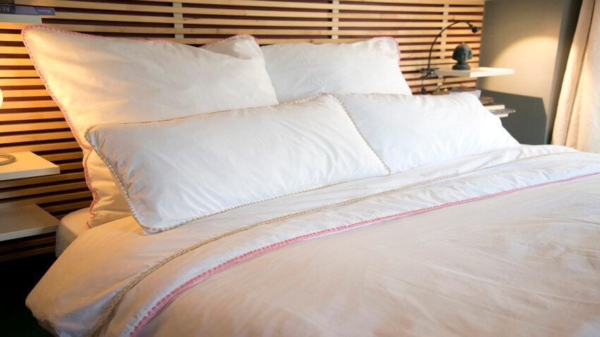 Bodové svetlá pri posteli