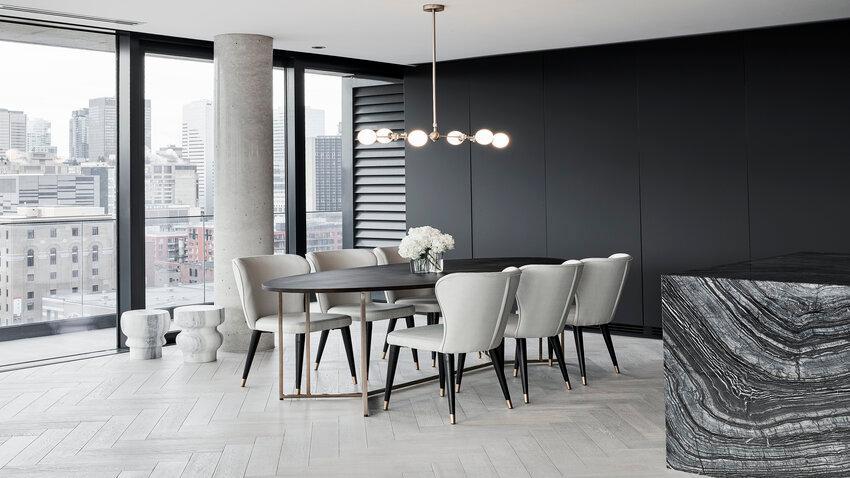 Stropné lampy v modernej jedálni
