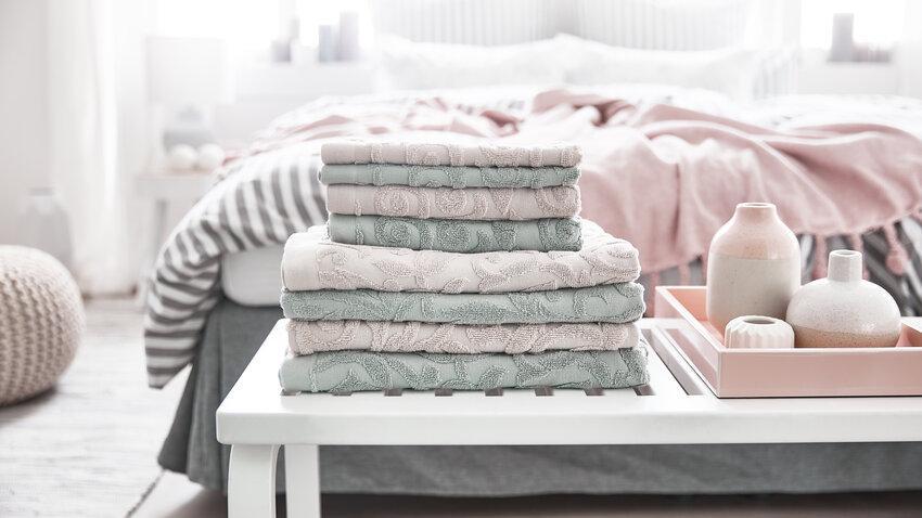 Sivo-ružové froté uteráky