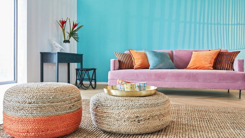 sisalový koberec vo farebnej obývačke