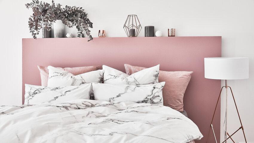biele stojacia lampa do spálne