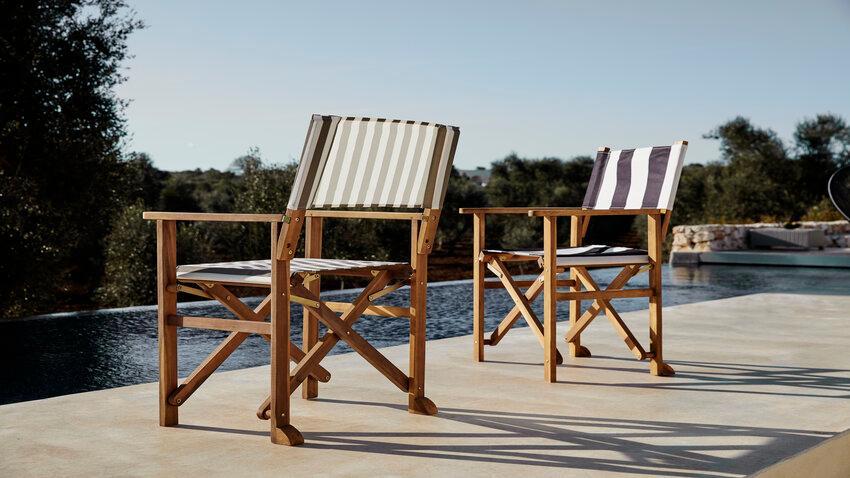 skladacie stoličky pri bazéne