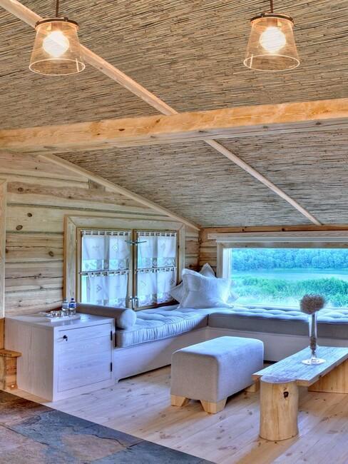 Drewniane wnętrza Chaty Lnianej Hotelu Głęboczek