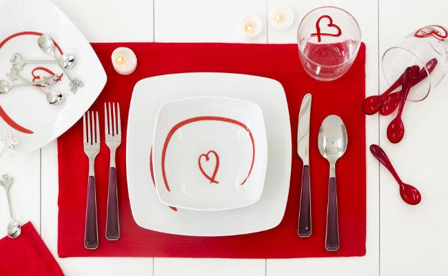 Czerwone akcesoria kuchenne