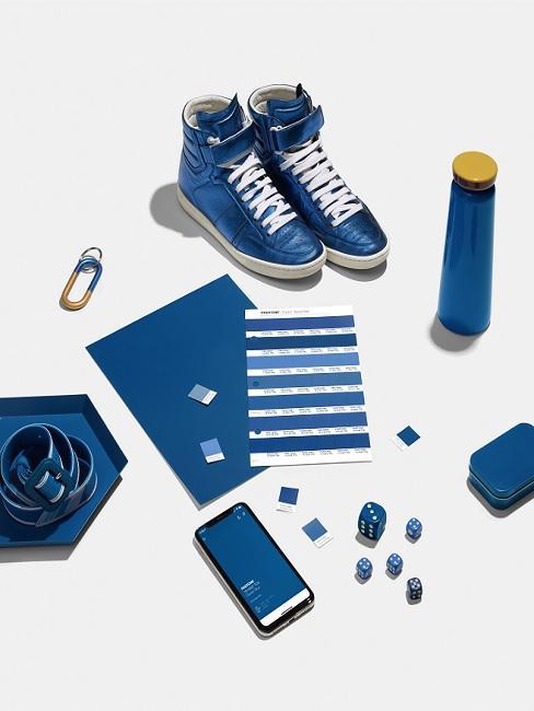 Classic Blue Pantone Trendfarbe Beschichtung