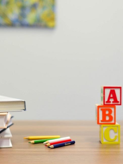 Tischdeko Einschulung Bücher Buchstaben