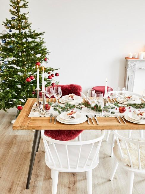 Tischdeko Rot Weihnachten kerzen Äpfel