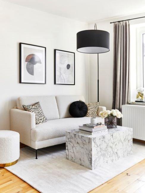 soggiorno piccolo con tavolino in marmo
