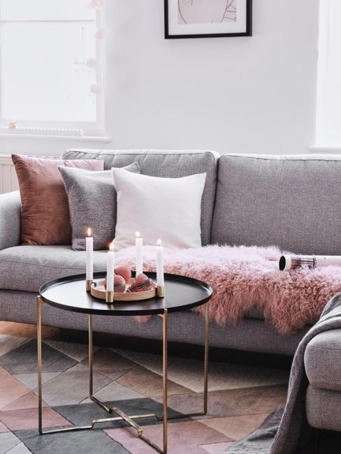Nahaufnahme Couch mit Kissen