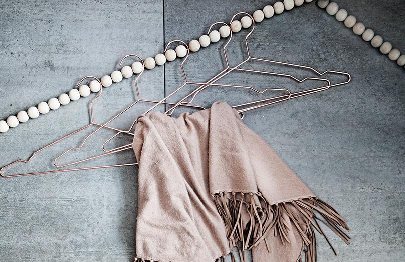 Perchero DIY con perlas de madera
