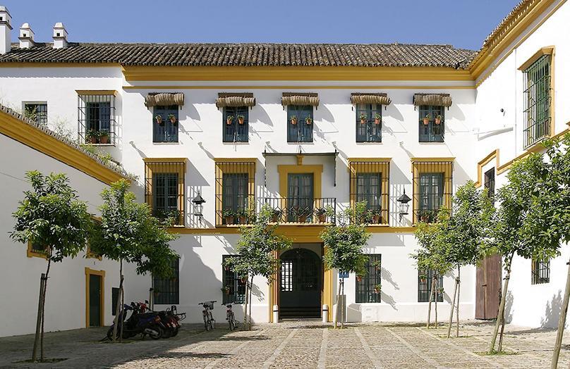 Las Casas del Rey de Baeza: Sereniteit in Sevilla