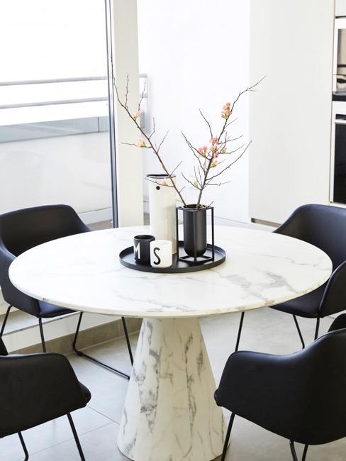 Table ronde en marbre blanc