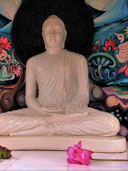 Buddha aus Alabaster