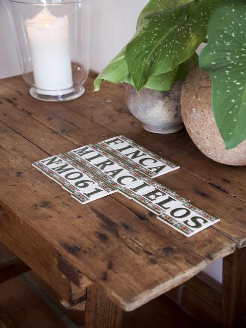 spanische Einrichtung Tisch Finca Pflanze