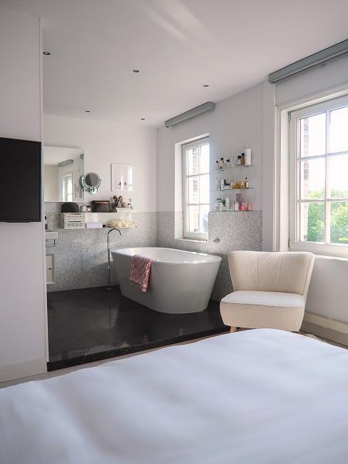 Badezimmer im Scandifornien Stil