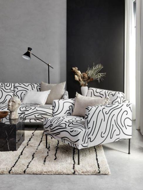 soggiorno moderno con divano fluente