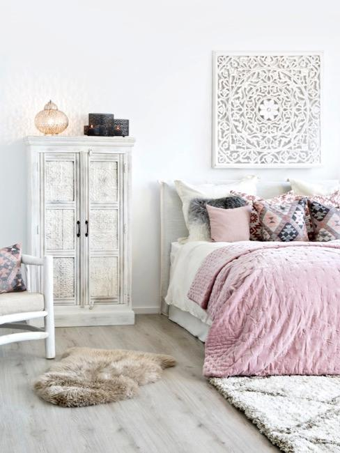 habitación con una decoración oriental