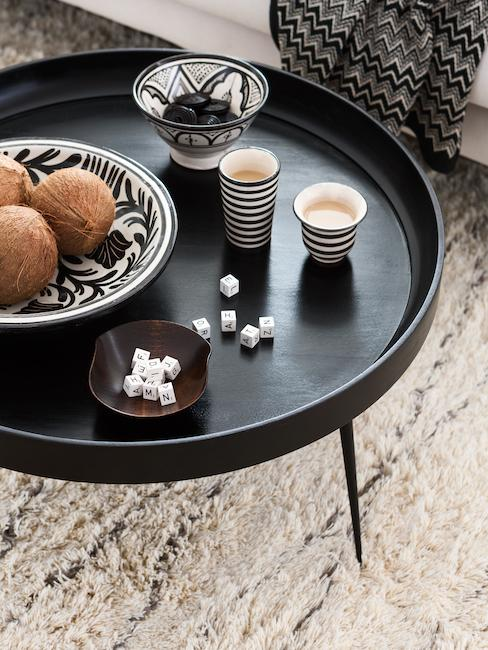 Déco orientale avec table basse noir