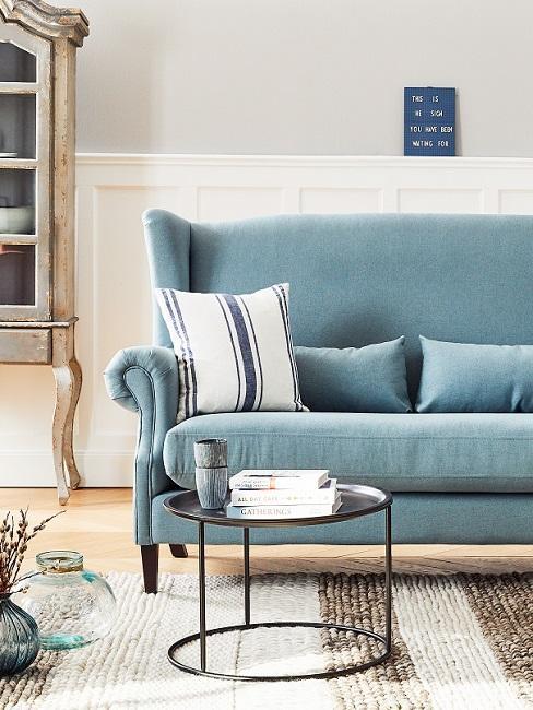 Landhausstil blaues Sofa