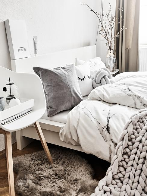 Dormitorio en tonos neutros home staging