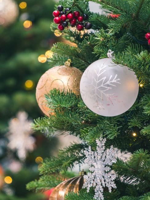 bolas doradas y plateada para arbol de navidad