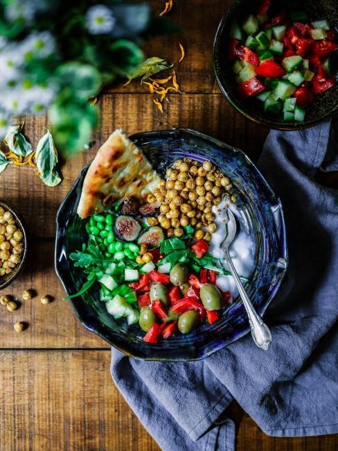 bol con verduras y legunbres