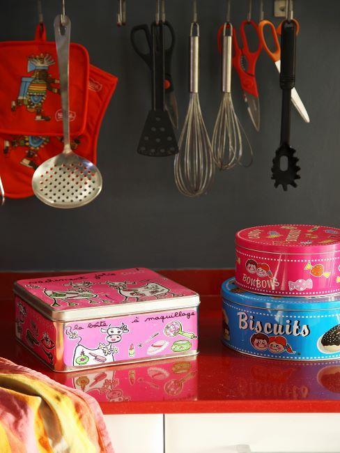 Boites de rangements colorees pour la cuisine