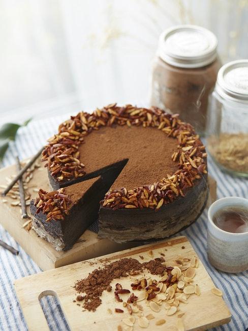torta di pan di spagna al cioccolato
