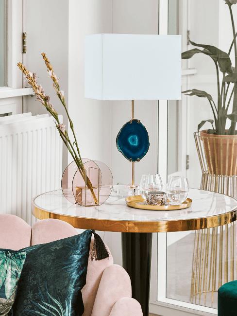 angolo glam con lampada in agata