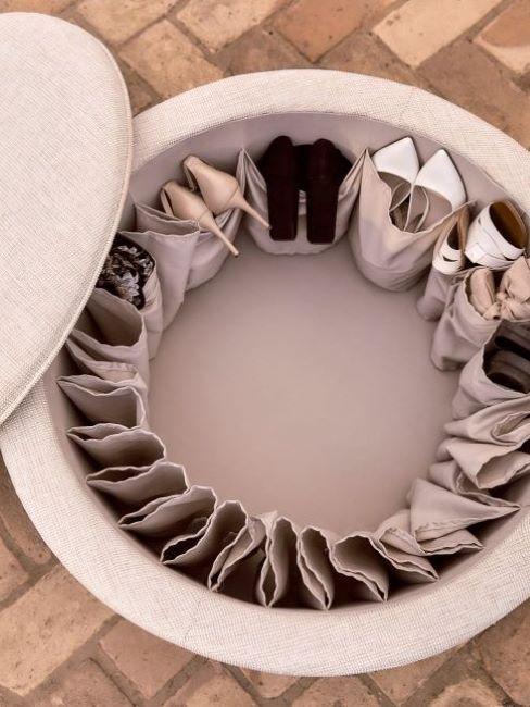 pouf contenitore con scarpe