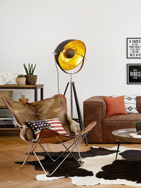 Butterfly Sessel im Wohnzimmer mit Country Flair