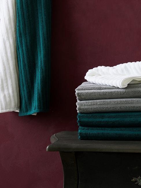 Handtücher in verschiedenen Farben