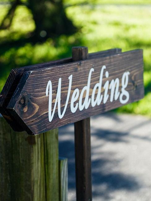 """Decoratief houten bord met de tekst """"Wedding"""""""