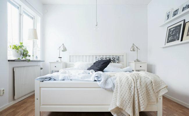 Przytulna sypialnia w stylu skandynawskim