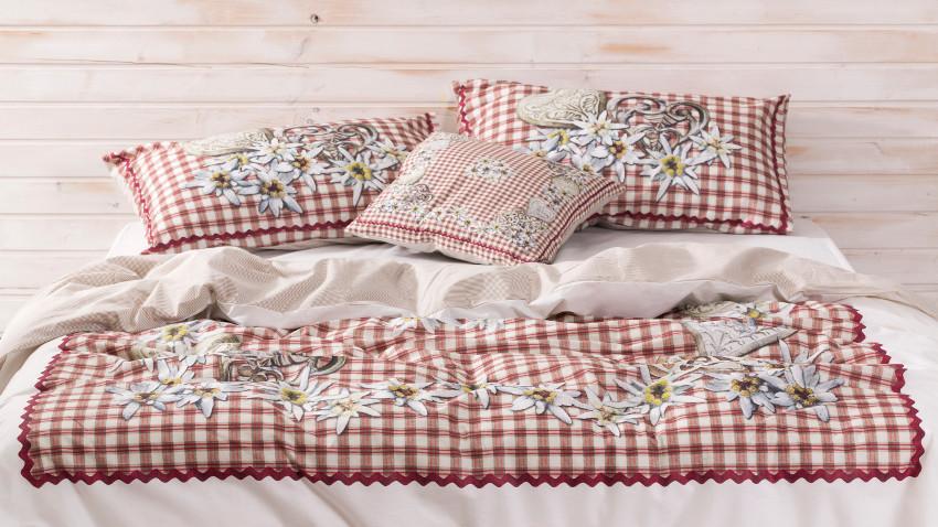 Czerwone poduszki