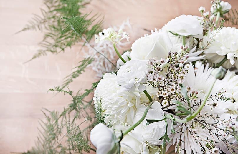 Winterliche Blumendeko mit Anastasia Benko