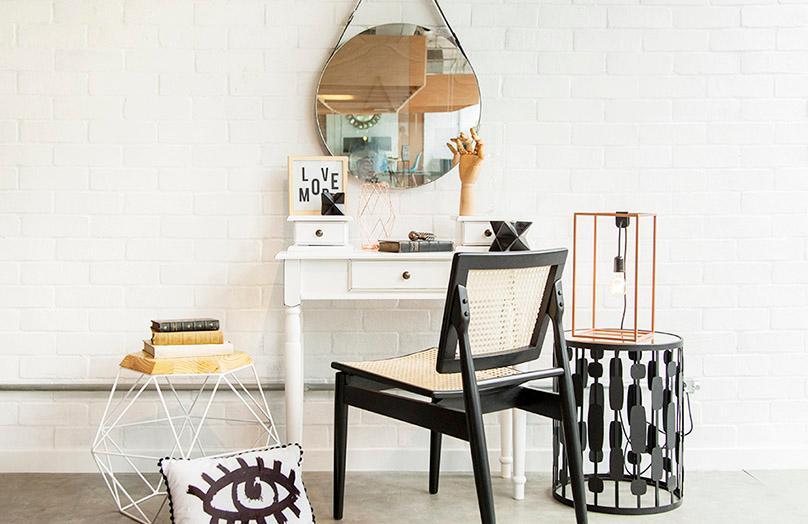 Toaletní stolek ve třech stylech