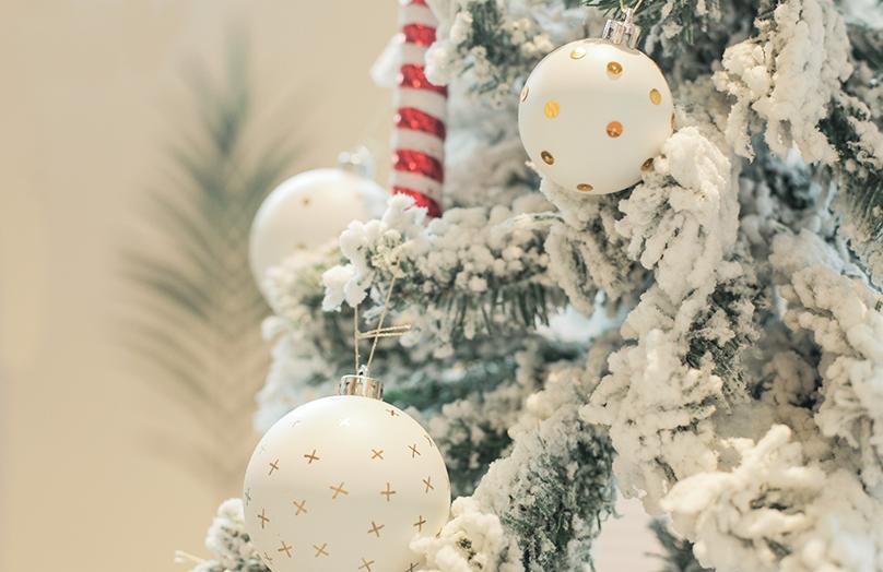 Cómo decorar bolas de Navidad