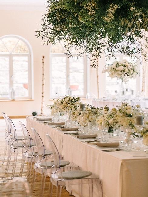 Tischdeko Hochzeit Creme Blumen Vasen Kerzen